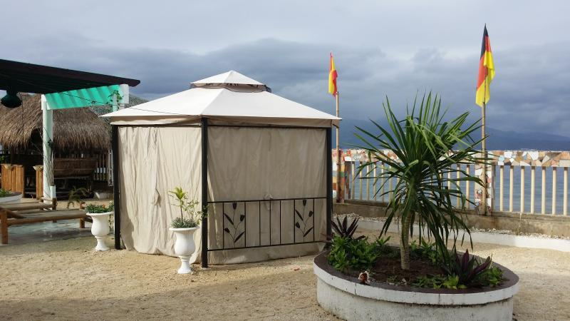 the tent 3x3 meters 2 beds shower outside free wifi