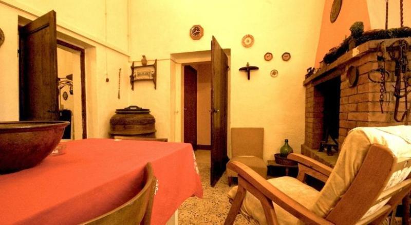 Casa Casavacanze MonteFollonico, alquiler vacacional en Montefollonico