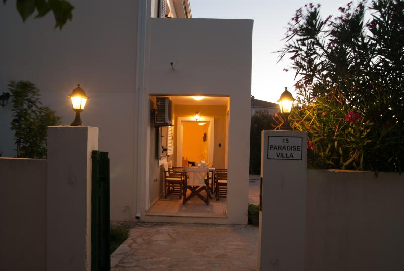 Villa Paradiso with private swimming pool, vacation rental in Tsilivi (Planos)