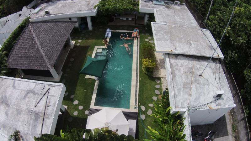 birds eye view....1 bedroom in each corner of the compound with the pool and living area in the mid.