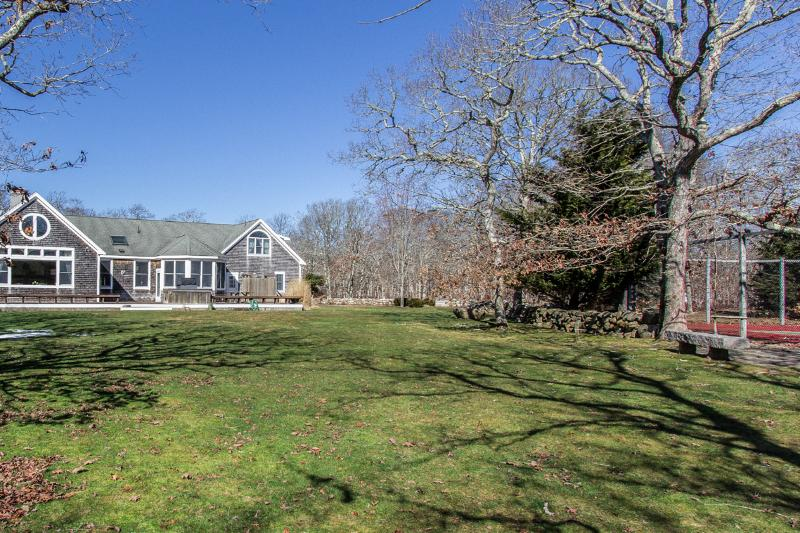 Private Yard, Tennis Courts, House with Expansive Wrap Around Dec,