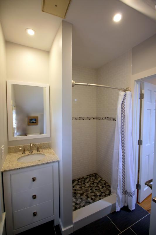 Upstairs full bathroom with spacious shower (renovated Late 2015)