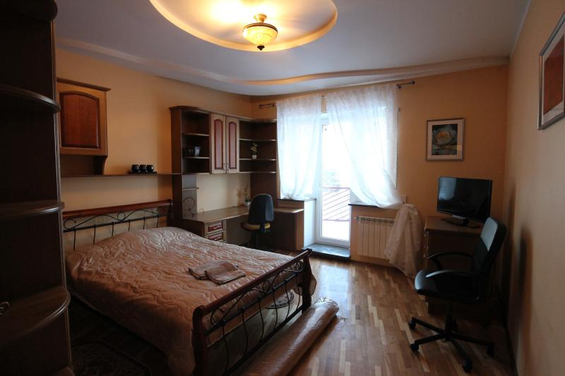 Modern Castle, holiday rental in Paberze