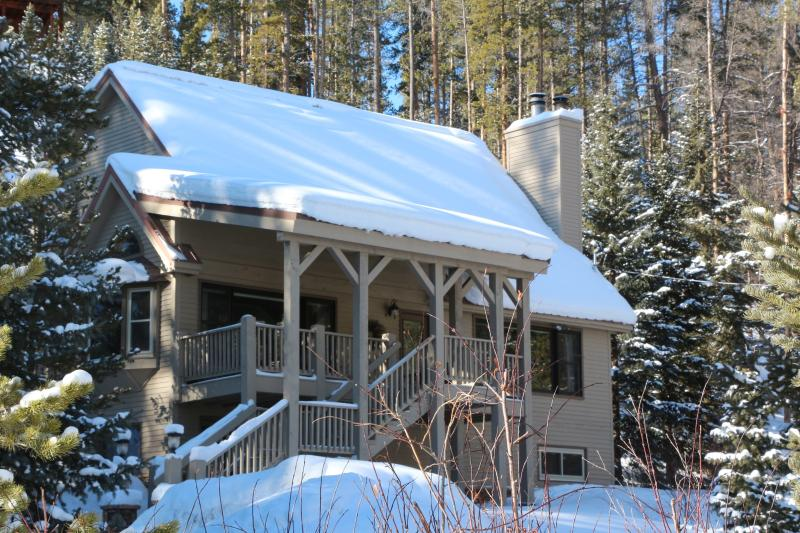 Enjoy the Serenity at Creekside, your mountain getaway, winter or summer