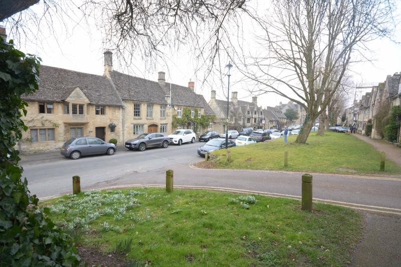 The Brewery nestles between The Lamb and the  Bay Tree  cosy bars and restaurants. Sheep St, Burford