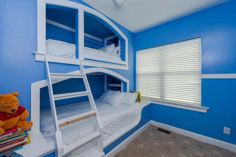 The kids love this bunk bed room, The top is a single bed the bottom is a queen size bed