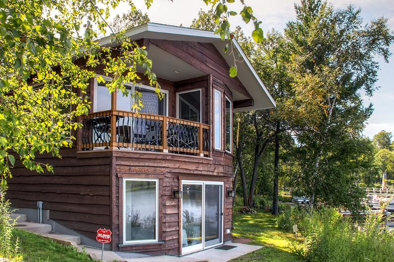 Lakefront Brainerd Cabin - Great Rice Lake Fishing, holiday rental in Brainerd
