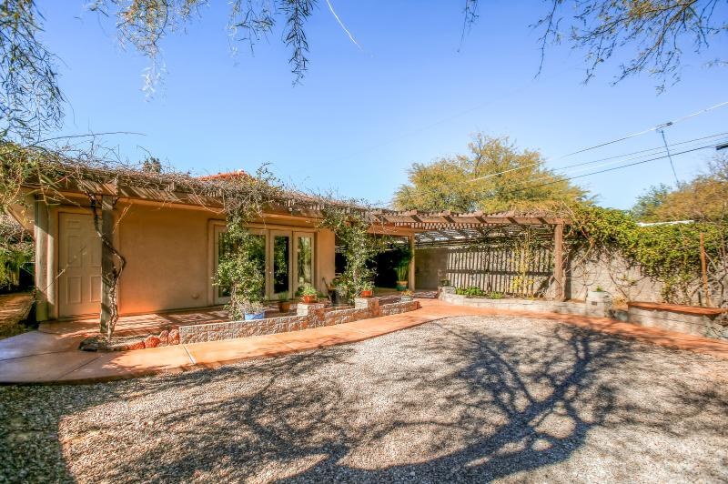 You'll be in awe of this charming Tucson vacation rental home's beautiful exterior!
