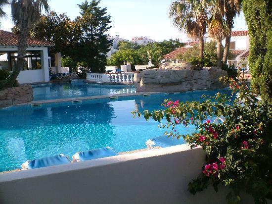 Excelente zona comunitaria con piscina