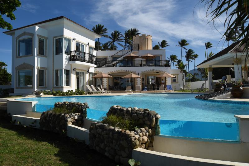 Puerto Plata, private owned Villa, Private Beach, All-Inclusive, vacation rental in Puerto Plata