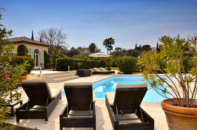 Exclusive Luxury Villa in Valbonne, Ferienwohnung in Valbonne