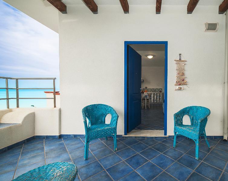 Magico Scafa - Trilocale con splendida vista mare panoramica a 3 min. dal mare, vakantiewoning in Capo d'Orlando