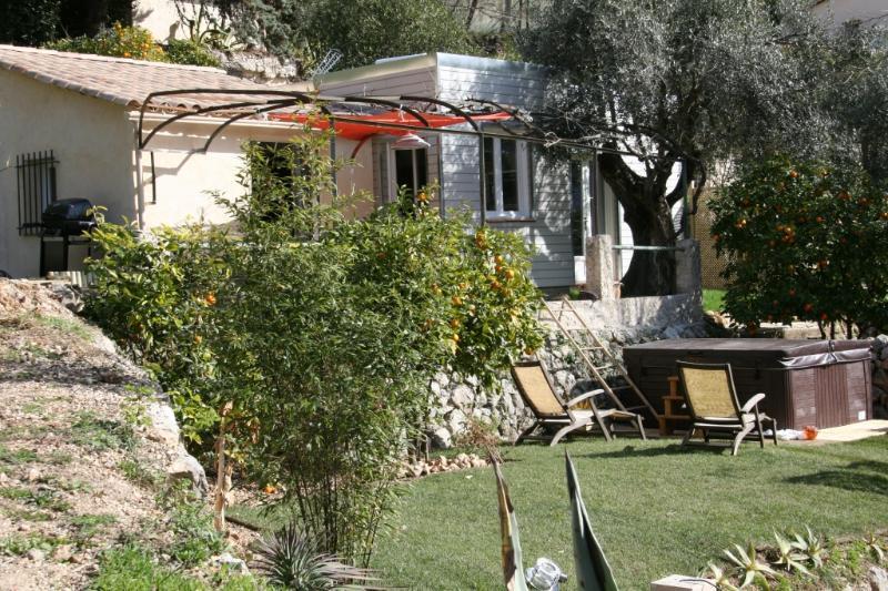 Maison indépendante terrasses SPA privatif, calme., location de vacances à Tourrettes-sur-Loup