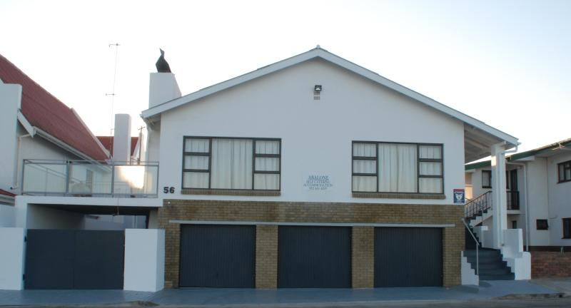 Abalone Self Catering Lambert's Bay, holiday rental in Lamberts Bay