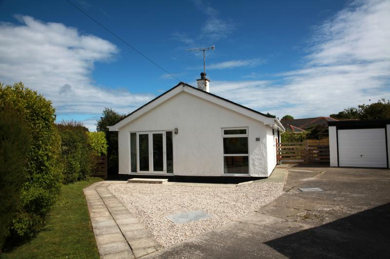 3 bedroom modern holiday cottage near Abersoch, location de vacances à Pwllheli