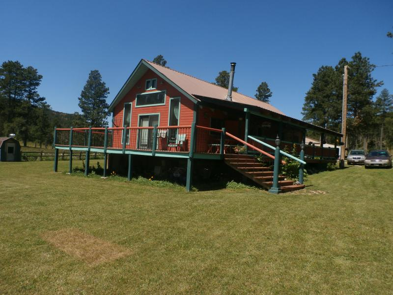 Very privet  and close to many Black Hills attractions, only 9 miles from Sturgis,  includes a Tipi