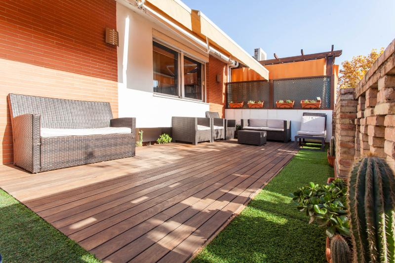 Central 3-Bedr Terraced Penthouse. VFT/SE/00722, vacation rental in Seville