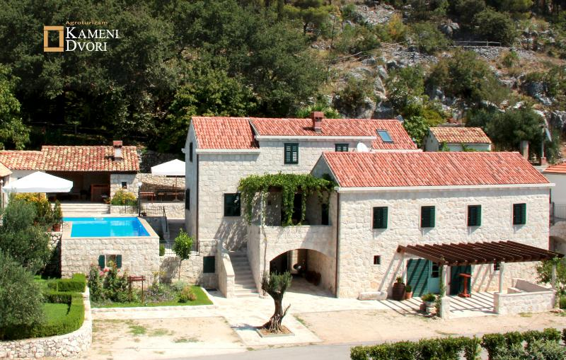 Kameni Dvori Holiday Village Dubrovnik. Homestay with Villa, Swimming Pool, BBQ, Tavern, Activities