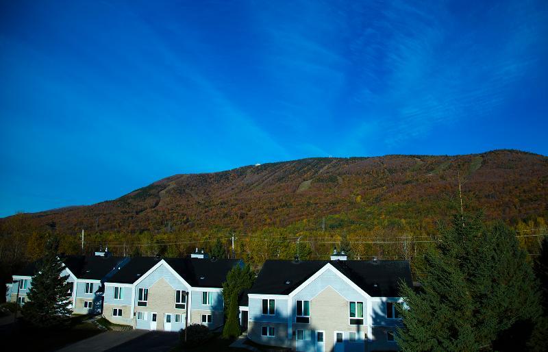 Schöne Mont-Sainte-Anne direkt vor unseren Villen.