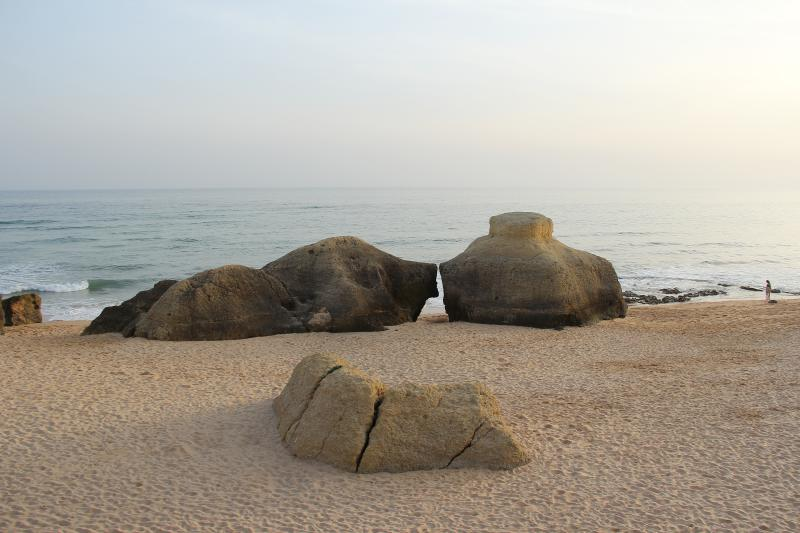 Galé´s beach, nice yellow rocks, beautiful sunset!