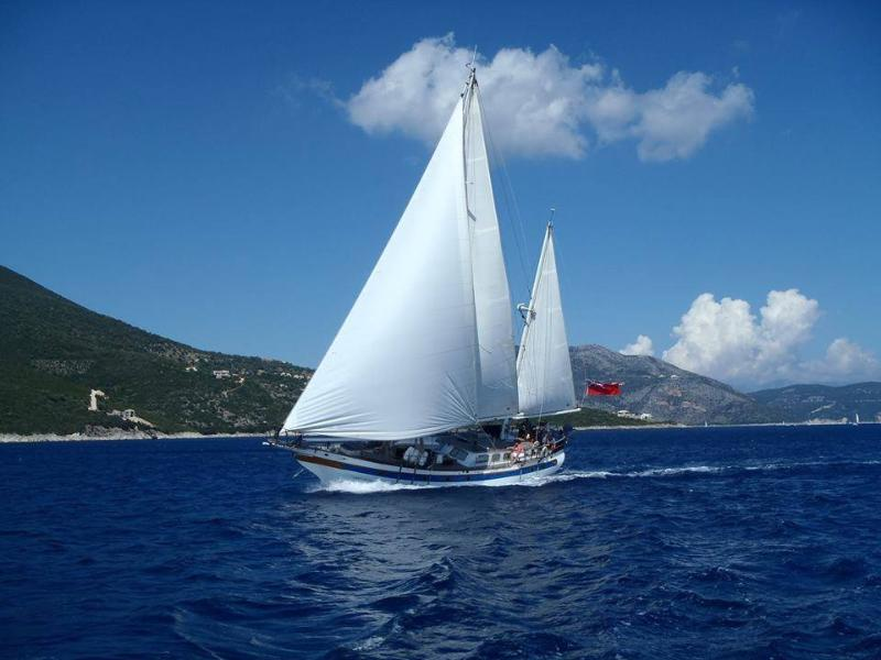 Classic Yacht in St Lucia. Unique Property!, vacation rental in Lower Bay