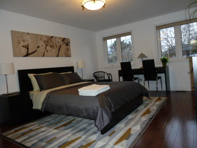 Brand new extra large master bedroom equipped with fridge, smart TV and WiFi