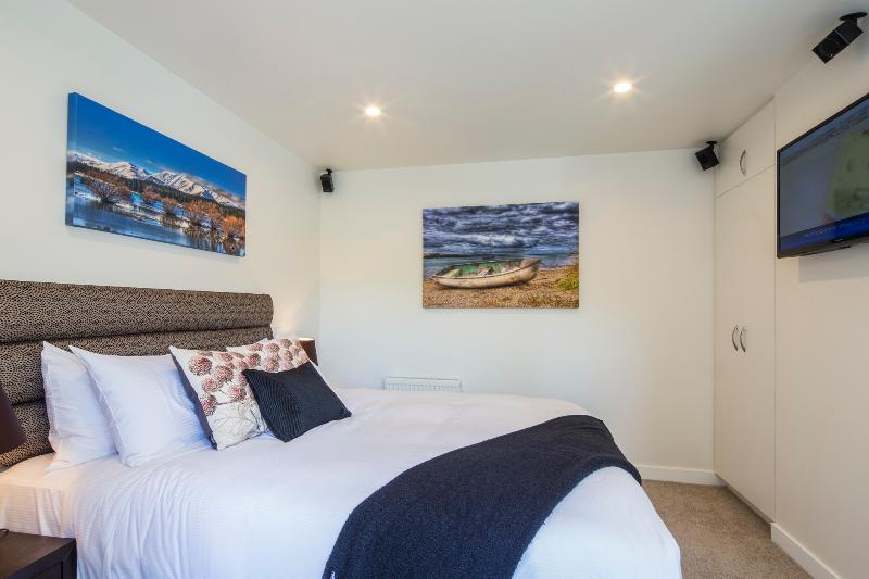 Fourth bedroom with separate entrance and ensuite