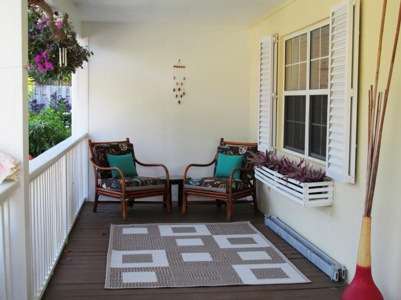 Soothing front porch