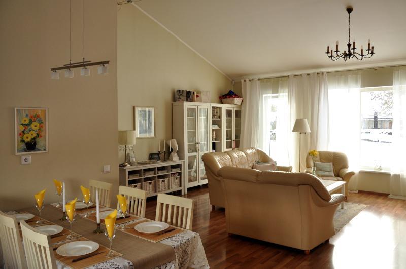 Dining area, livingroom