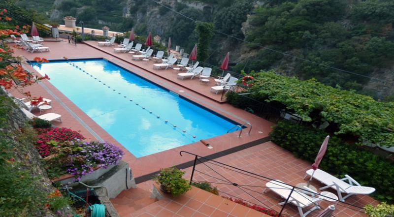 02 Garofano shared pool area
