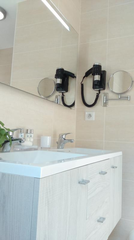 Bathroom master bathroom, hairdryer ...
