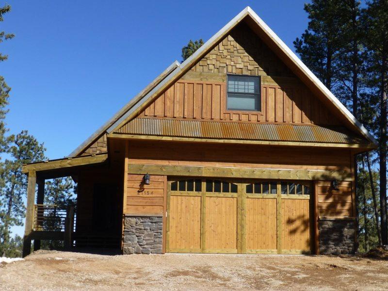 Foote Creek Lodge, holiday rental in Lead