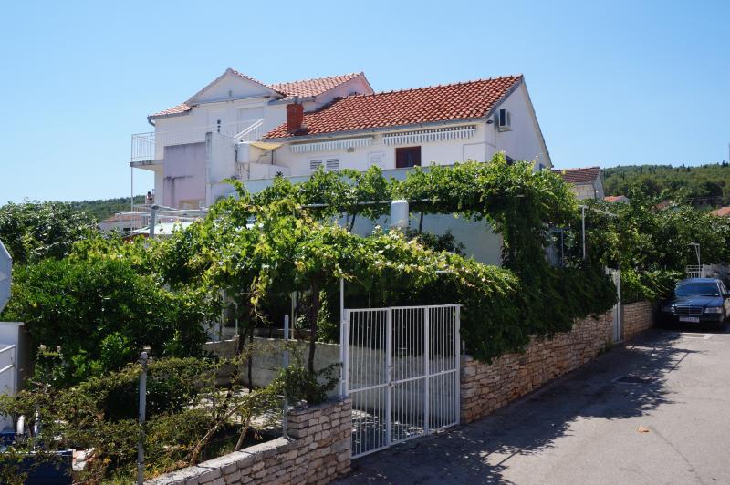 Apartman house Vinka with two apartmants