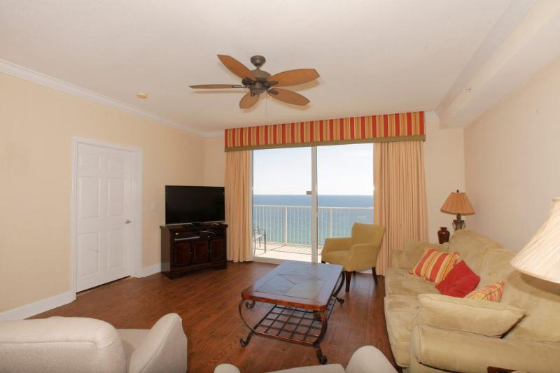 Living Area w/Beautiful Gulf Views