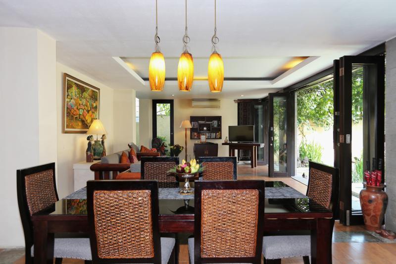 Executive Suite Villa - Living & Dinning Area