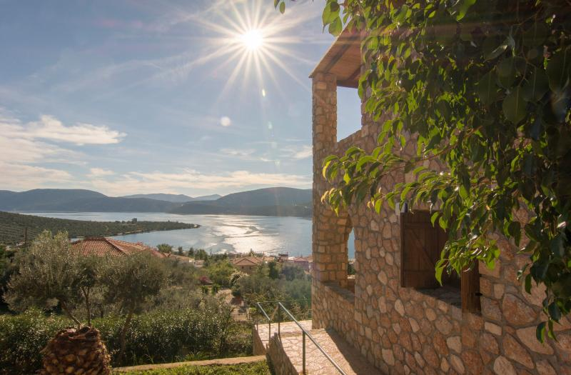 Luxury Stone villa, holiday rental in Sofiko