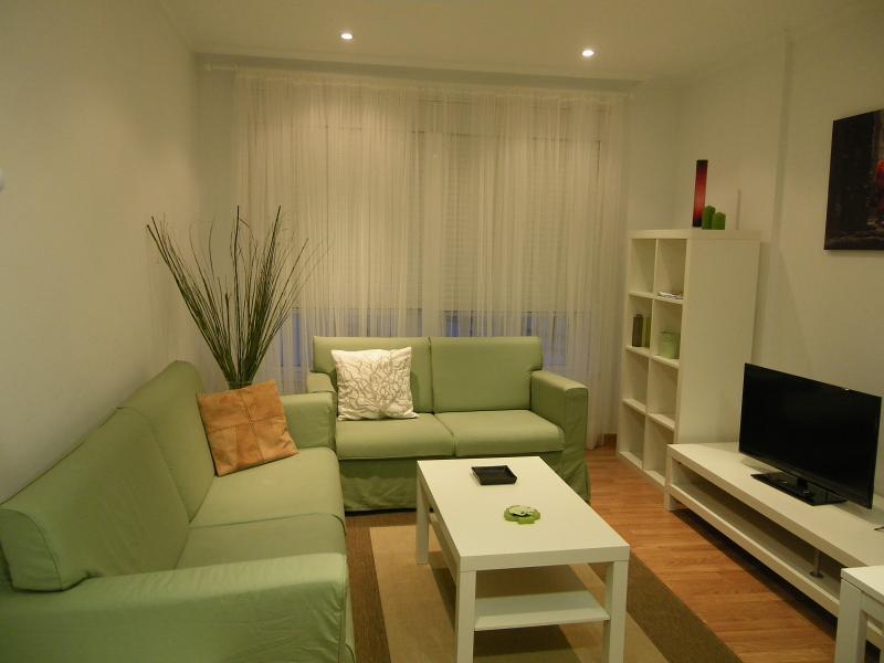 Fantástico y acogedor piso en el centro de Cedeira 3º - B, vacation rental in Valdovino