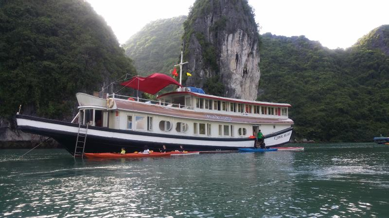 C.JEWEL. voyage of a bespoke vacation, holiday rental in Cat Ba