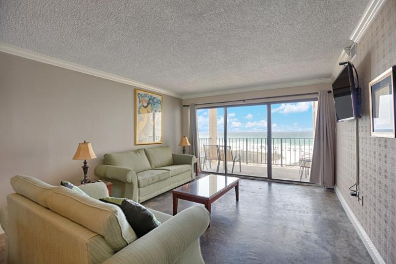 Moondrifter 406 Living Area w/Gulf View
