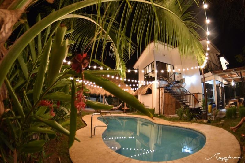 Tropical Beach / Surf House, 12 personas, playa Villa Santa Teresa
