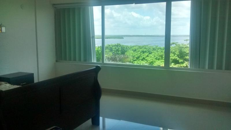 bedroom lagoon view