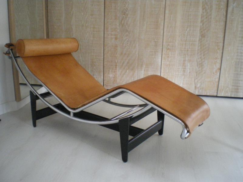 Master bedroom Corbusier collection chair