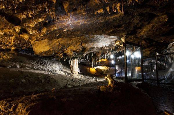 Crag Caves in Castleisland - 40 minutes en voiture du chalet.