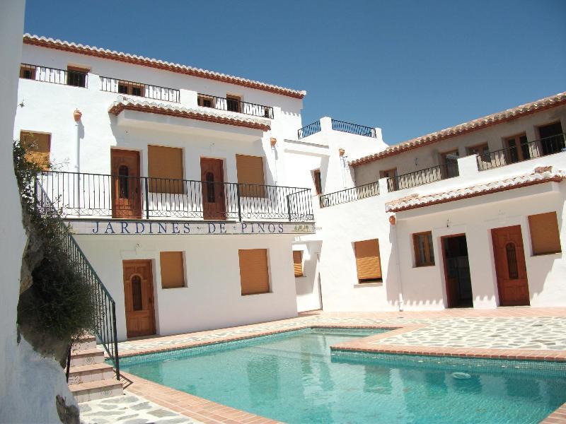 Casas rurales con piscina patio wifi vistas pinos del valle espa a actualizado 2019 - Casas rurales madrid con piscina ...
