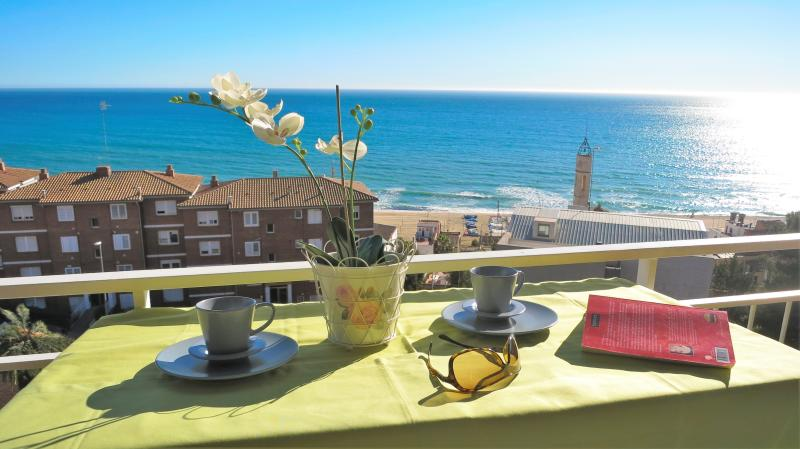 BIANCA SEAVIEW & BEACH-apartment, vacation rental in Montgat