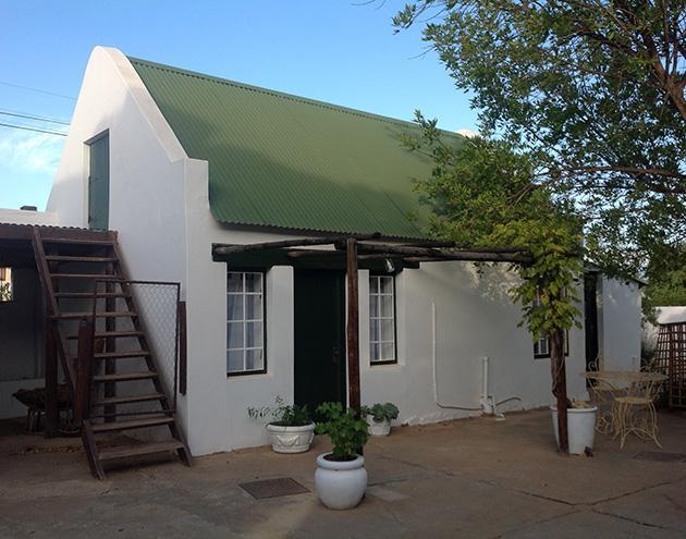 The Barn (cottage 2, sleeps 2)_courtyard entrance
