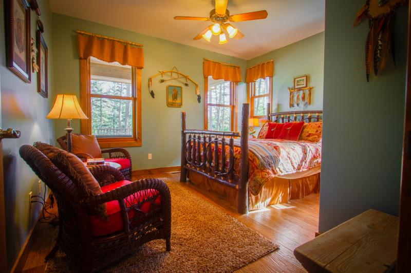 NATIVE PRIDE them suite with luxury queen bed and lake view