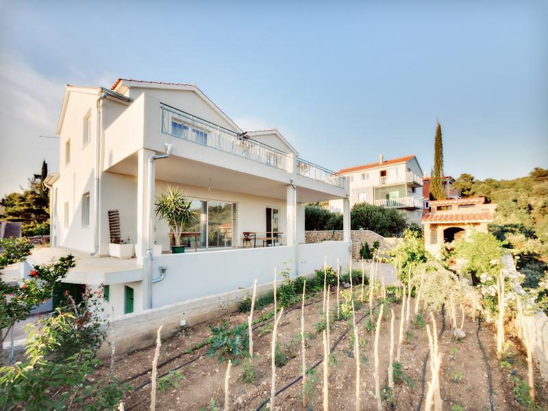 Fluctus apartments, Brodarica/Šibenik, vacation rental in Brodarica