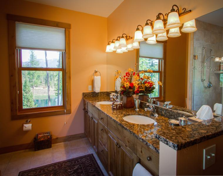 MASTER BATH with great views, double vanity, jacuzzi tub, separate shower inclosure