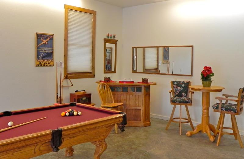 POOL TABLE AND BAR in the connected garage for gaming pleasure and family fun
